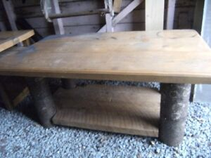 solid wood table size46 in long 28 wide 22 high