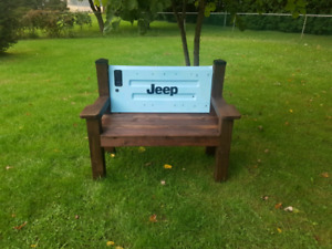 Jeep tailgate bench
