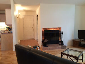 Beautiful, Sunny 2 Bedroom Condo for Rent St-Lazare West Island Greater Montréal image 3