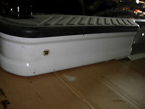 Painted Rear Step Bumper MINT 92 to 96 F150 F250 F350 Bronco Cambridge Kitchener Area image 3