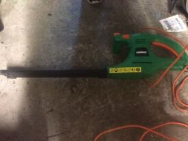 Power base hedge cutter