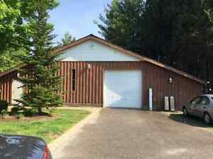 Outbuilding with Heat for Lease
