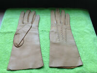 REDUCED:  Vintage Light Tan Stiched Women's Leather Gloves