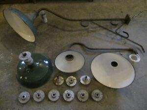 VINTAGE WAREHOUSE INDUSTRIAL ANTIQUE SERVICE STATION LIGHTING