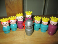 ***VINTAGE RARE FISHER-PRICE CASTLE LITTLE PEOPLE!!!***