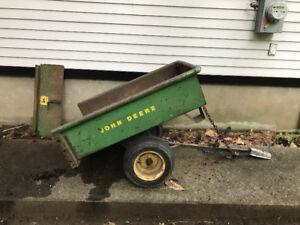 John deer tractor dumper