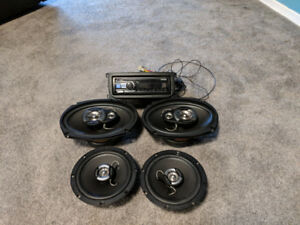 "2 6""x9"" speakers, 2 6.5""x6.5"" speakers, and stereo deck."