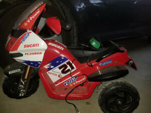 Childs Peg-Perego motorized Ducati bike