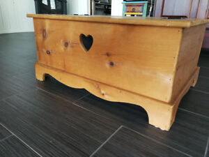 Solid pine coffee table with storage