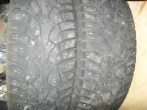 2 pneu hiver 215/65r16
