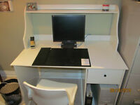 Office Desk Online Auction Bidding Closes July 9 @ 12
