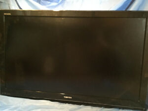 "Toshiba 42LX177  42"" 1080p LCD TV. Good Condition"