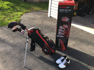 Junior Golf Clubs & Oakley shoes
