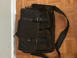 Danier Leather Bag | Find Other Items in Ontario | Kijiji Classifieds