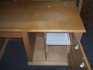 CUSTOM BUILT DISPLAY UNIT PINE WITH GLASS AND LIGHTS Kitchener / Waterloo Kitchener Area image 4