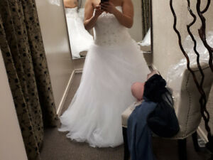 Wedding dress size 20, never been altered