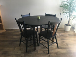 Dinning table with chairs for sale