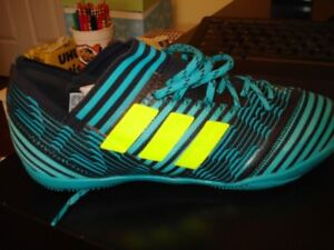 Messi indoor soccer shoes (Youth Boys)