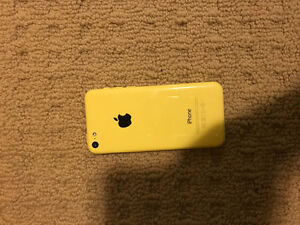 iPhone 5 C- yellow 8GB-Bell-MINT CONDITION