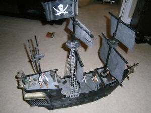 Black Pearl Pirate Ship Playset + Action Figures
