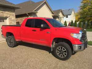 2014 Toyota Tundra TRD V8 5.7L 4X4 DOUBLE CAB WITH ONLY 30,000KM