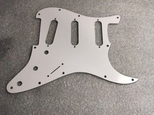 Allparts Stratocaster Pickguard WBW