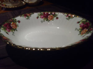 Old Country Roses Open Vegetable Bowls