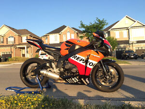 2008 Honda CBR1000RR Repsol LOOKS GREAT AND NEGOTIABLE!!
