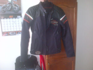 BRAN NEW HARLEY DAVIDSON WOMANS COAT SIZE SMALL
