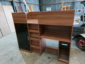Childs bed with desk