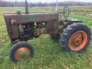 John Deere M + other for parts
