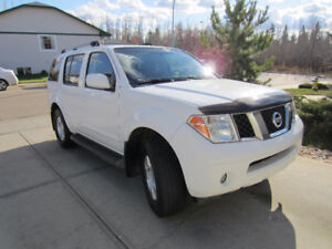 2006 Nissan Pathfinder SE Fully Loaded, Remote Start,Sunroof,4X
