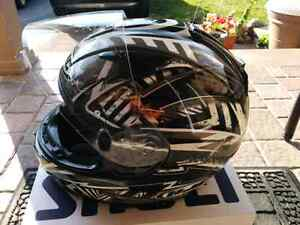 HJC IS 16 Helmet Oakville / Halton Region Toronto (GTA) image 3