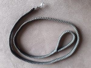 King Cobra 550 paracord leash for medium to large breads