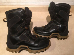 Women's Cougar Winter Boots Size 8 London Ontario image 1