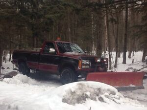 TRUCK AND PLOW FOR SALE!!! $2350 40,000km on crate engine