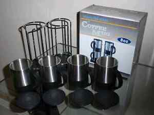 BRAND NEW SET OF 4 STAINLESS STEEL COFFEE MUGS WITH LIDS & RACK