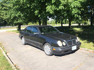 E300 Diesel mercedes benz, 206,000 kms, 2 owners ,W210