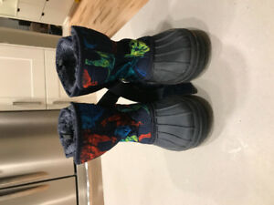 Boys toddler size 11 boots