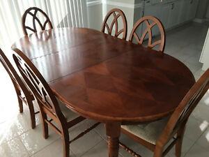 Dining Table and Chairs - Must Go This Weekend!