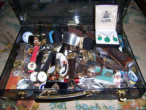 FOR SALE  A BUNCH OF WATCHES  AND OTHER  THINGS.