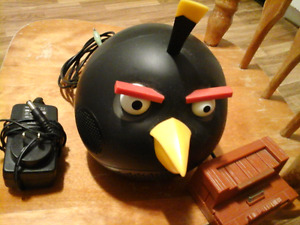 Gear4 Universal Speaker for iPod/iPad/iPhone - Angry Birds Black