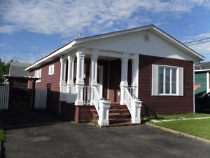 Perfect Starter Home Located in Bishop's Falls!