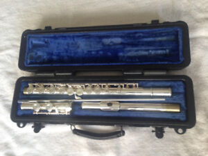 Armstrong flute and X music note stand