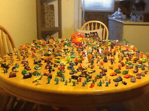 *WOW* 250 COMPLETE KINDER EGG TOYS AND GIANT BAG OF PARTS London Ontario image 2