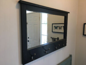 Mirror with 4 hooks