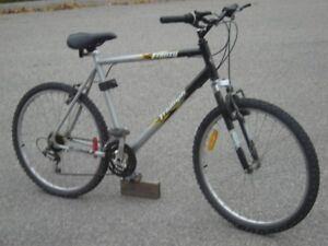 """ADULT OR TEEN 26"""" TRIUMPH FRENZY LIGHT 21 SPDS WITH SUSPENSION!"""
