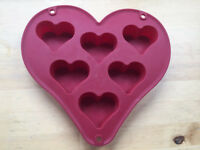 Silicon baking heart shapes