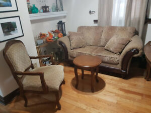 Living Room Set for Sale - Loveseat, 2 Armchairs, Coffee Table