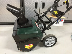 """Yardworks 20"""" Electric Snow Thrower - great working condition"""